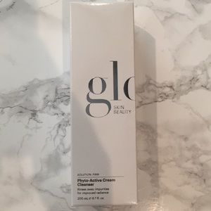 [NEW] Glo Skin Beauty: Phyto-Active Cream Cleanser